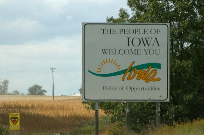 Professional Troll Flees Iowa In Fear
