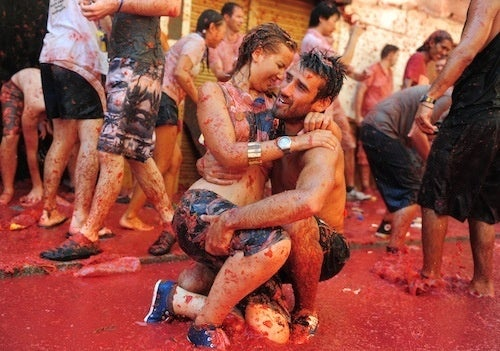 Sloppy Romance At The World's Biggest Tomato Fight