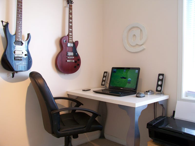 How to Make the Most of a Small Workspace - Gallery