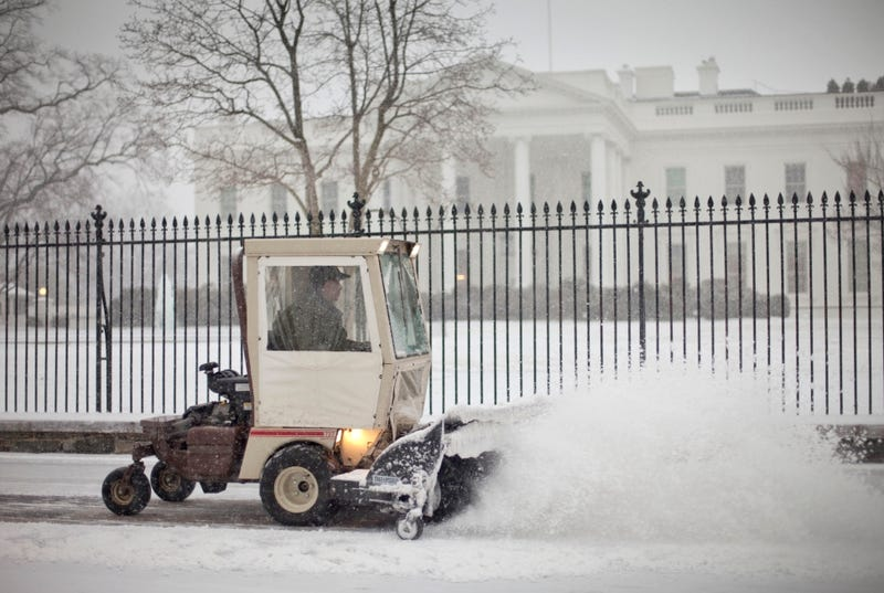 Massive Storm Destroys Washington D.C. With Three Whole Inches of Snow