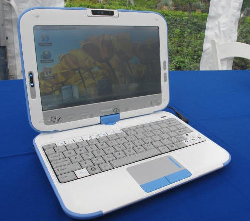 Intel Convertible Classmate PC Hands On: You Know, For Kids