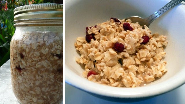 An Easy, No-Measuring-Required Way to Make Real Oatmeal Fast
