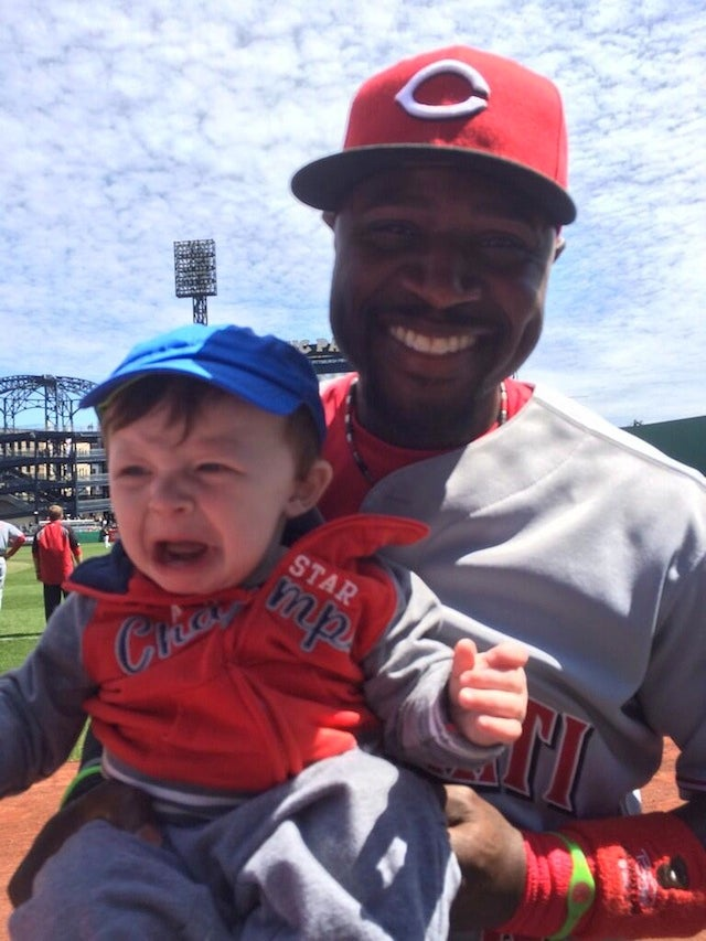 Brandon Phillips Terrifies Baby