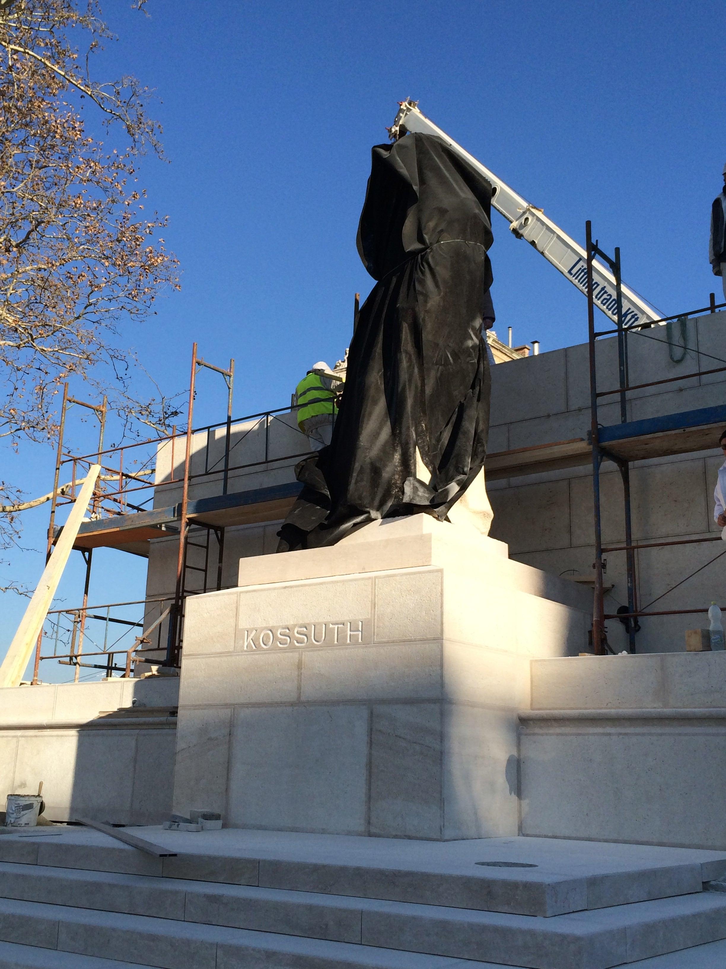 Baromi jó lett az új Kossuth tér, nem támadt fel Horthy