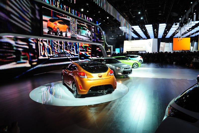 Hyundai Veloster: Live Photos
