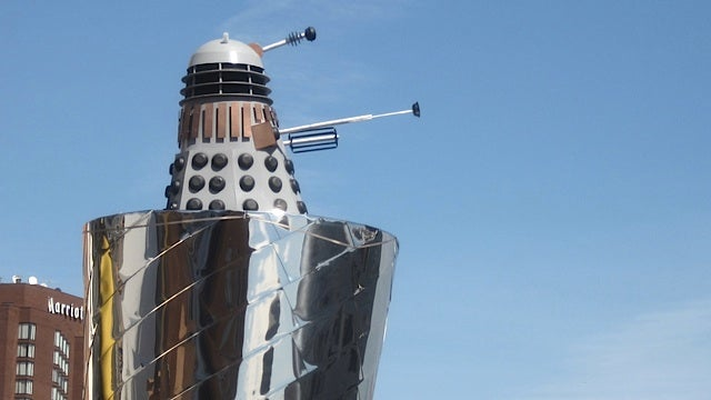 Dalek mysteriously materializes atop MIT computer science building