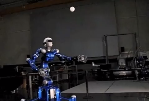 This Ball-Catching Robot Will Someday Play Baseball Better Than You