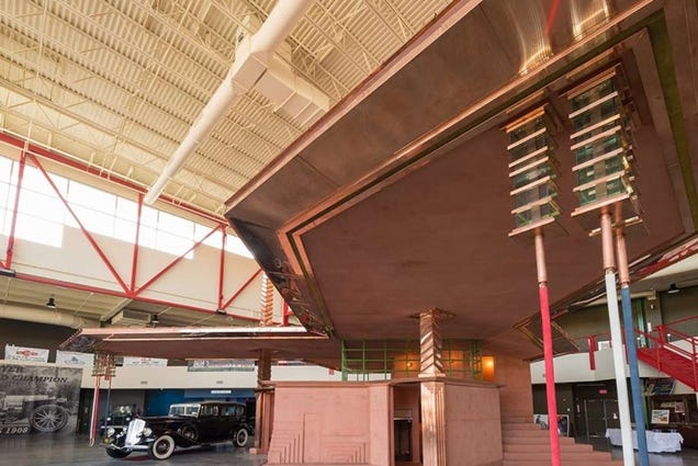 A Gas Station Frank Lloyd Wright Designed 87 Years Ago Is Now Finished