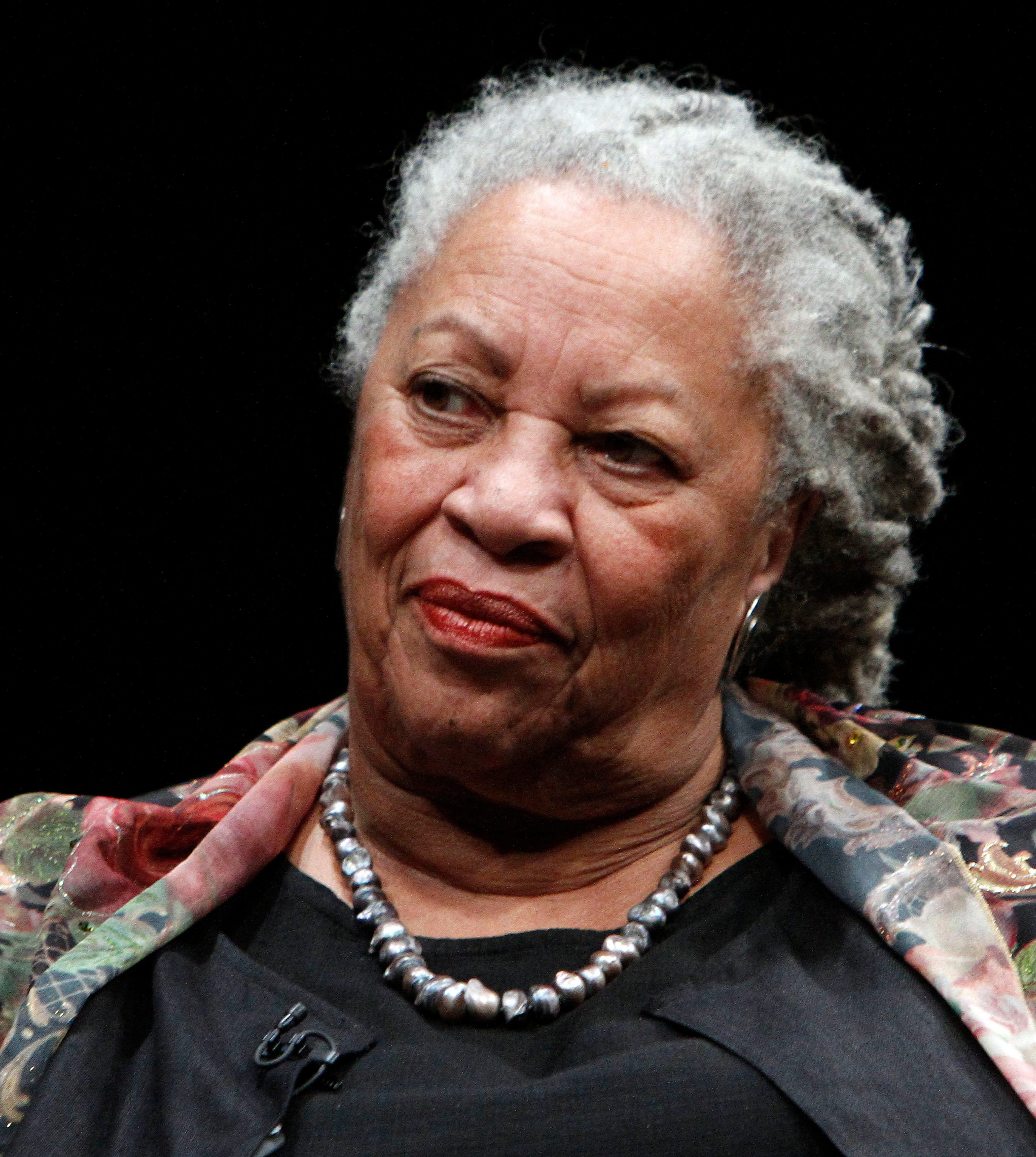 critical essays on toni morrison beloved critical essay on critical essays on toni morrison s beloved toni morrison by mckay new