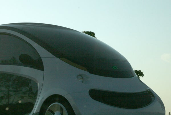 Peapod Electric Car Makes Us Smile Even While It May Eat People