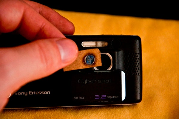 Make a Cellphone Macro Lens From An Old DVD Player