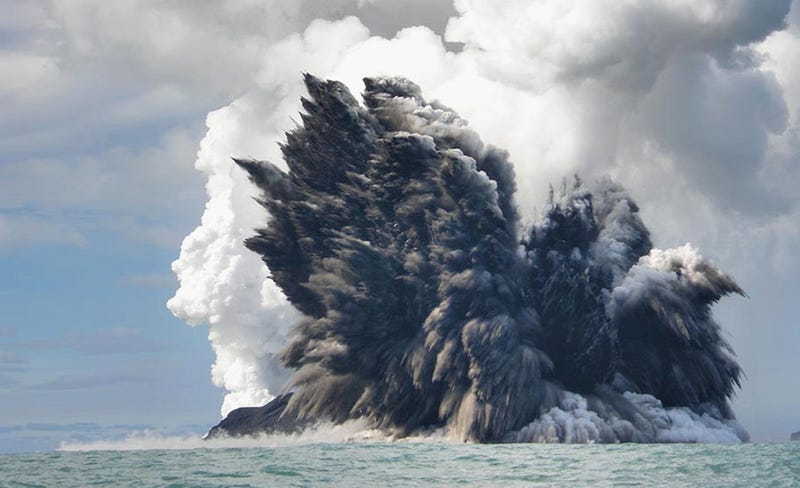 Breathtaking and Horrifying Images of Nature's Destructive Power