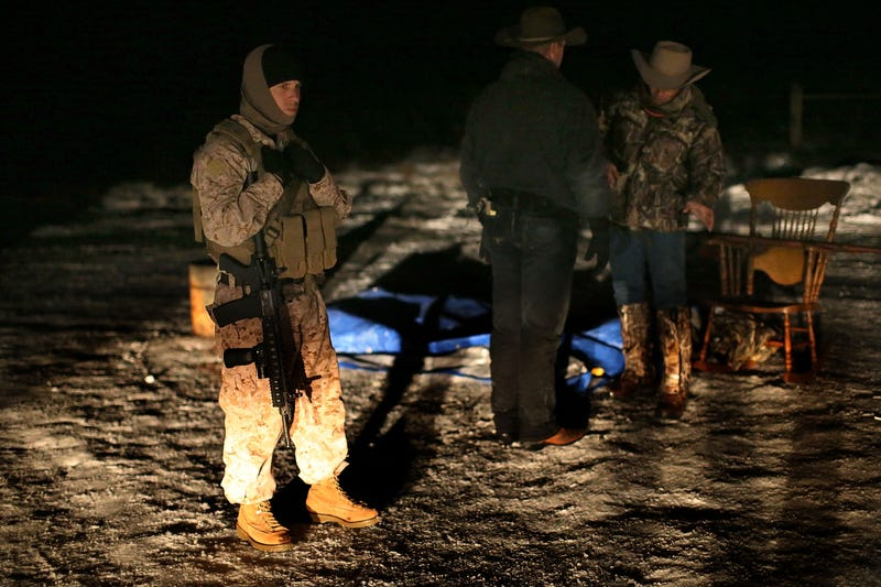 FBI, Oregon occupiers begin talks to end wildlife refuge standoff