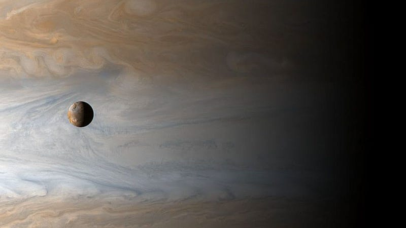 A breathtaking reminder of just how gigantic Jupiter really is