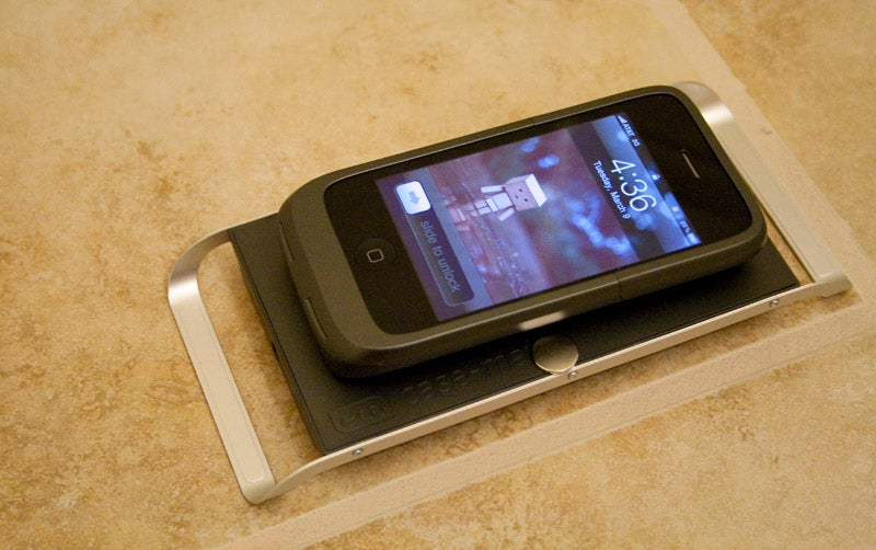 Case-mate Hug Review: A Wireless iPhone Charging Pad That Actually Works Well