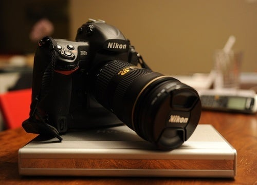 Critical Apple Keynote Gear: HyperMac Batteries and Cameras from Borrowlenses