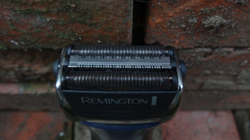 Remington Black Diamond 5800 Lightning Review: A Spartan Shave at a Phenomenal Price