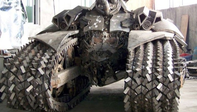 This 5-ton Megatron Tank Was Hand Built By a Man