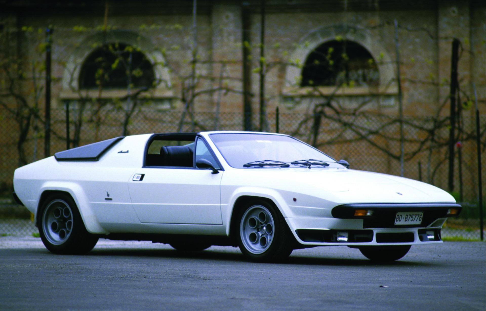 The Whole Car 1985 Lamborghini Jalpa Write Up