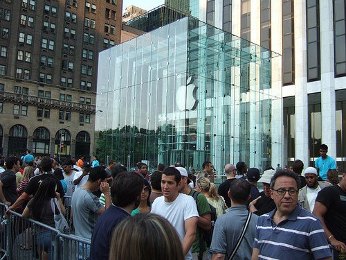Apple Sells Twice as Many iPads as Estimates