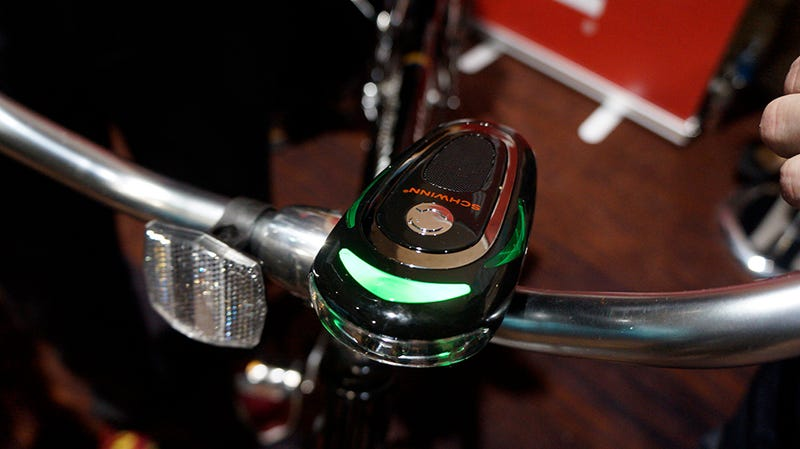 This Schwinn Mount Shouts Turn-By-Turn Directions From Your Handlebars