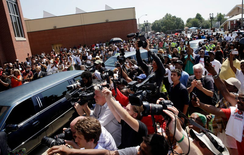 Hundreds Gather to Mourn Michael Brown in St. Louis