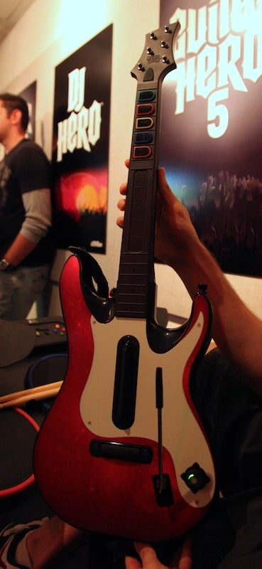 New Guitar Hero 5 Guitar Looks Just Like the Old One