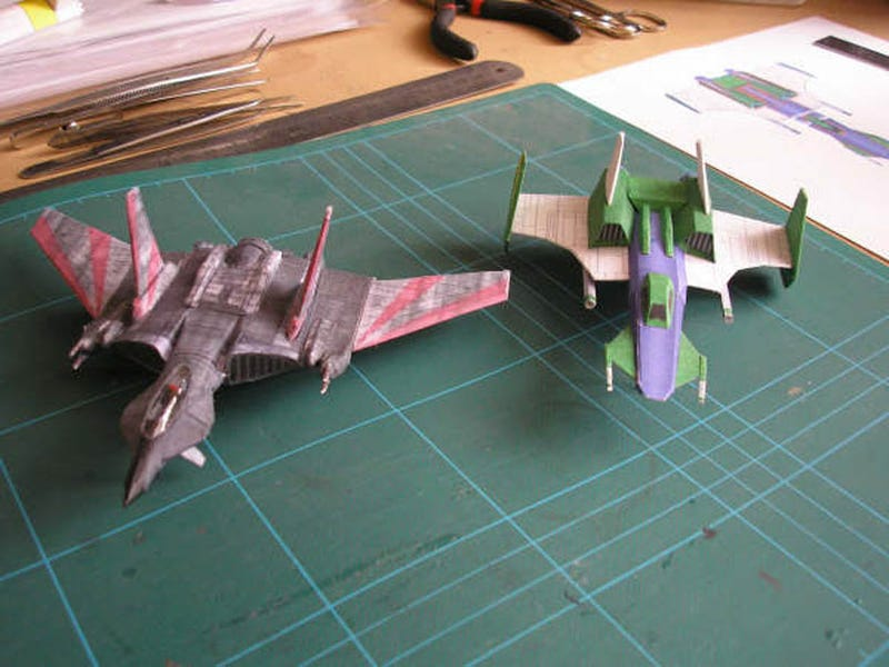 Wing Commander In Paper Craft