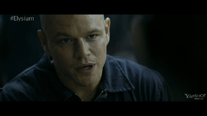 Matt Damon argues with a dickish robot in the first Elysium clip