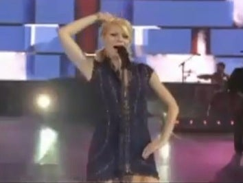 Watch Gwyneth's Most Embarrassing Country Strong Performance