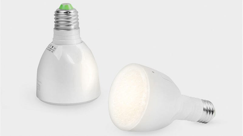 This Flashlight Bulb Keeps On Shining During a Power Outage