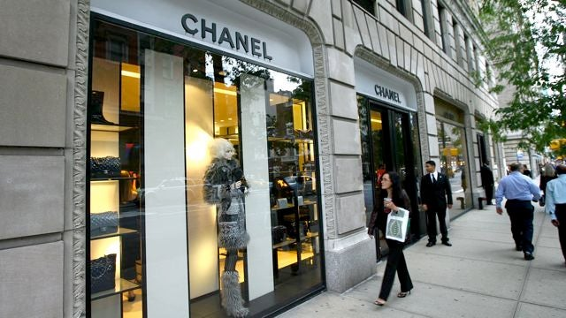 Woman Sues Chanel For Letting Her Try On A Too-Small $10K Ring