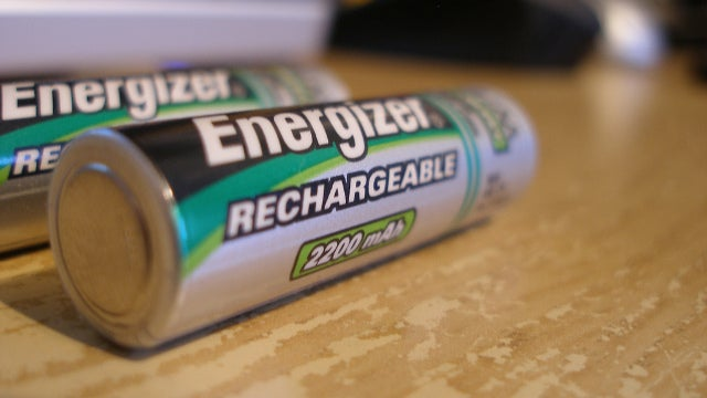 Can Scientists Make a Battery That Will Survive 40,000 Charges?
