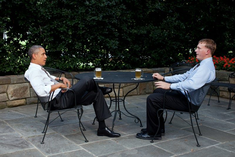 Obama Grabs a Beer With New Medal of Honor Recipient