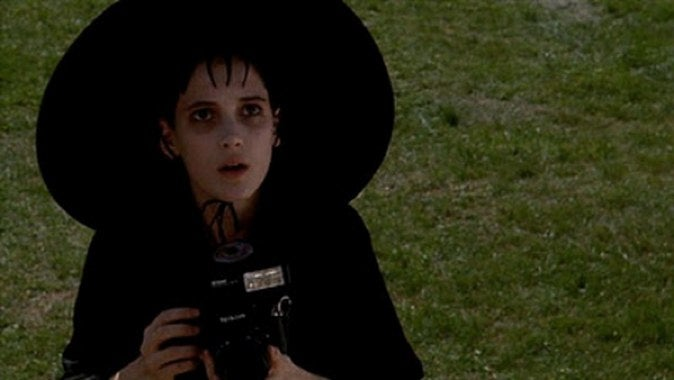 Wynona Ryder returning to Beetlejuice 2 -- OMG think of the hats!