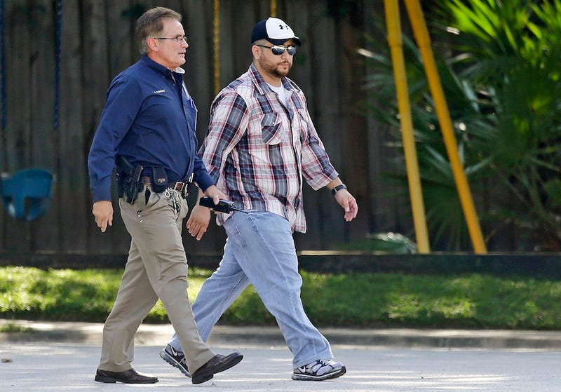 "Local Police Chief Agrees Zimmerman's a Sandy Hook ""Waiting to Happen"""