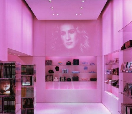 Ghost of Carrie Bradshaw Haunts HBO Store