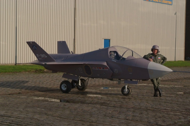 Guy Builds F-35 Fighter Jet On His Own