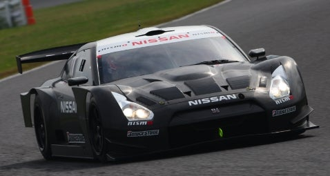 Nissan Reveals Racing GT-R for Japan's Super GT Championship
