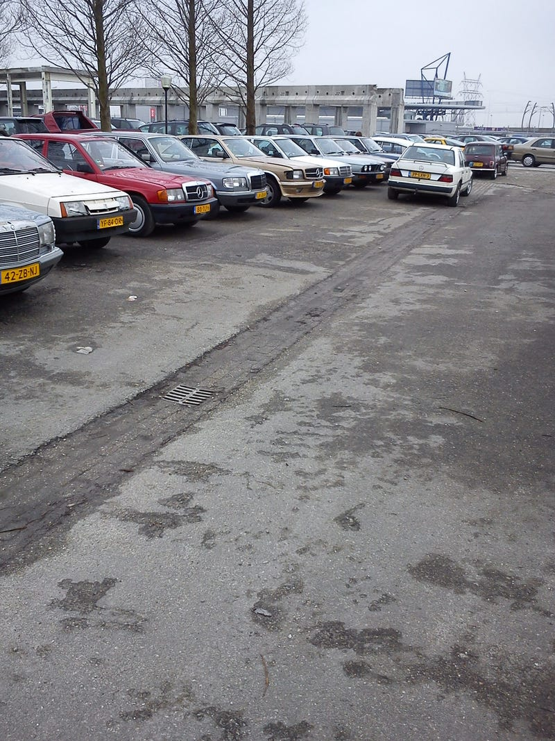 Trip to the local stealership... *(picture heavy!!)