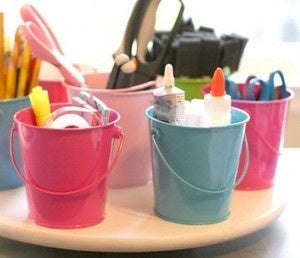 DIY Lazy Susan Supply Organizer Keeps Office Supplies at Hand