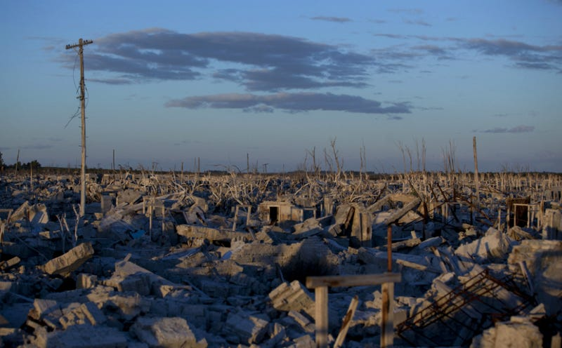 Beautiful Photos from Argentine Town That Was Underwater for 25 Years