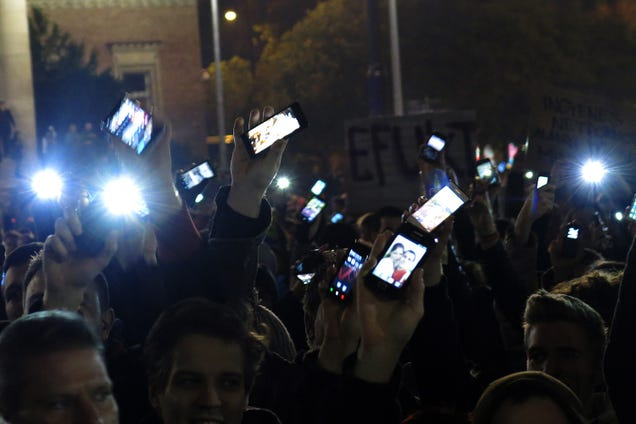 This Is How Hungarians Are Protesting Against Proposed Internet Tax