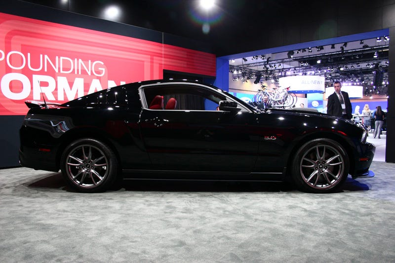 2013 Ford Mustang GT: Live Photos