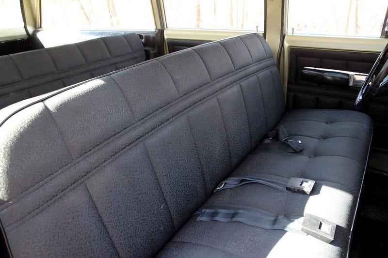 Below Average Cars: 1973 International Harvester Travelall