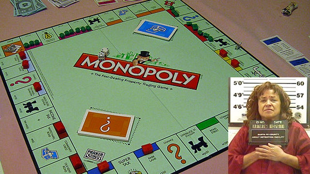 Woman Stabs Boyfriend Repeatedly for Cheating at Monopoly
