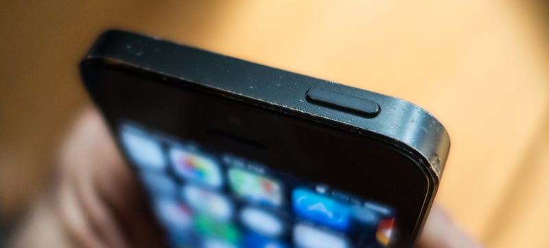 Apple Will Fix Your iPhone 5's Sleep Button for Free—If You Qualify