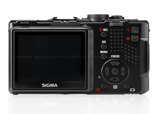 Inevitably Pricey Sigma DP2s Focuses Faster, Plays Well with Macs