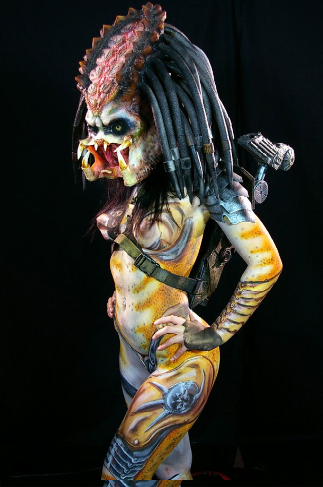 Frightening Predator Cosplay Gender Bender Is Actually Body Paint