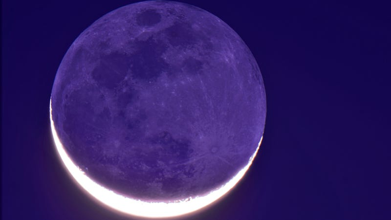 Behold, a beautiful example of Earthshine